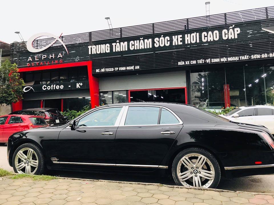 Vẻ đẹp vượt thời gian của Bentley Mulsanne đời cũ tại Nghệ An
