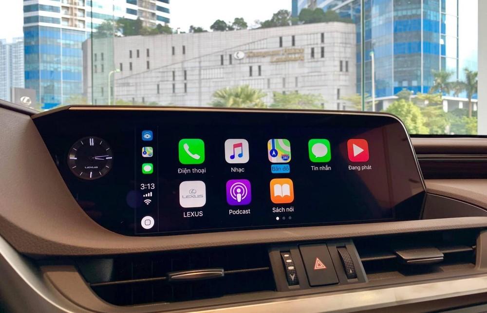 Màn hình giải trí dạng cảm ứng kích cỡ 12,3 inch giờ đây đã có tính năng kết nối Apple CarPlay và Android Auto