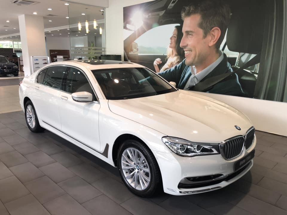 Sang tháng 1/2020, BMW 730Li (bản cũ) được nâng mức giảm giá lên tới 160 triệu thay vì 100 triệu đồng như trước đây