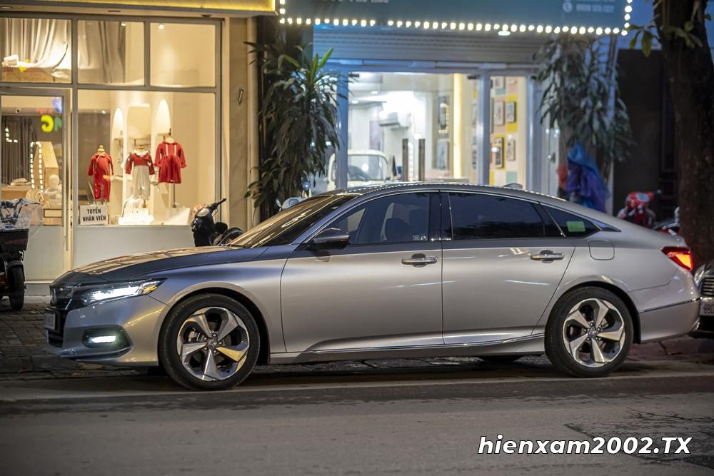 Honda Accord 2020 thoả mãn đủ các yêu cầu lái từ đô thị cho đến đường trường.