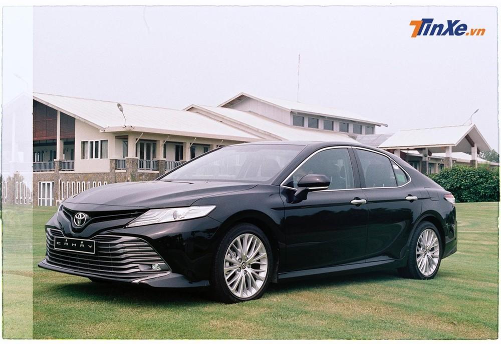 Giá xe Toyota Camry 2020tại Việt Nam