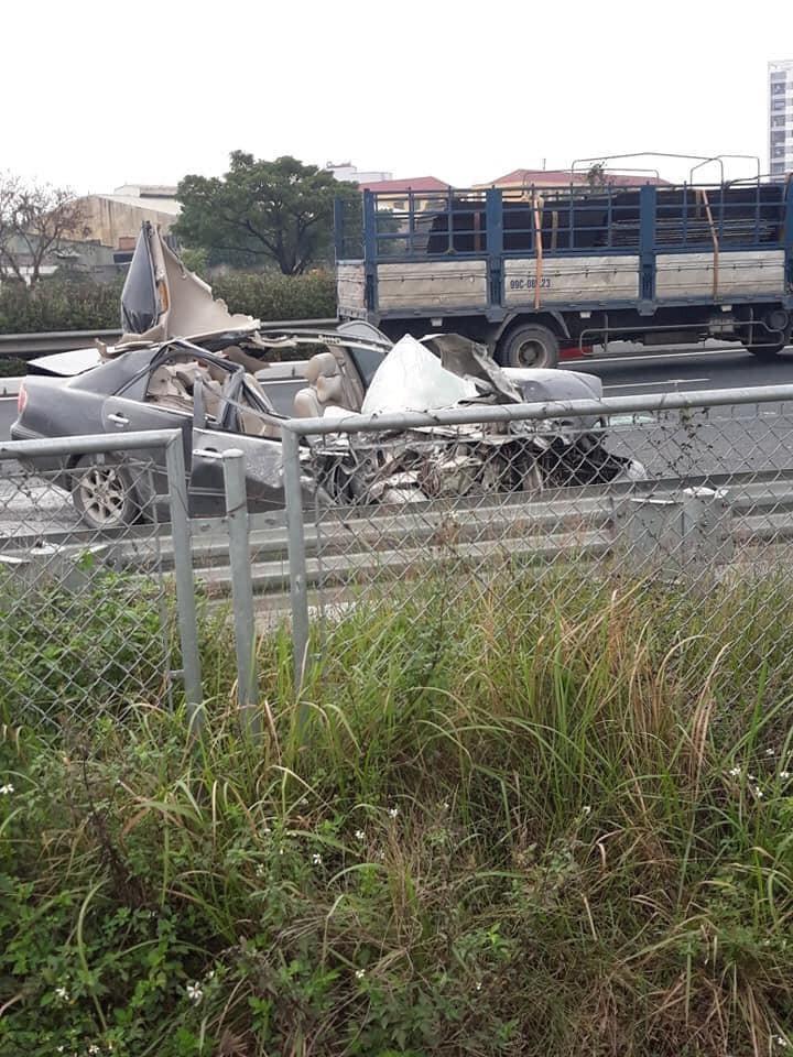 Hiện trường vụ tai nạn trên cao tốc Pháp Vân - Cầu Giẽ