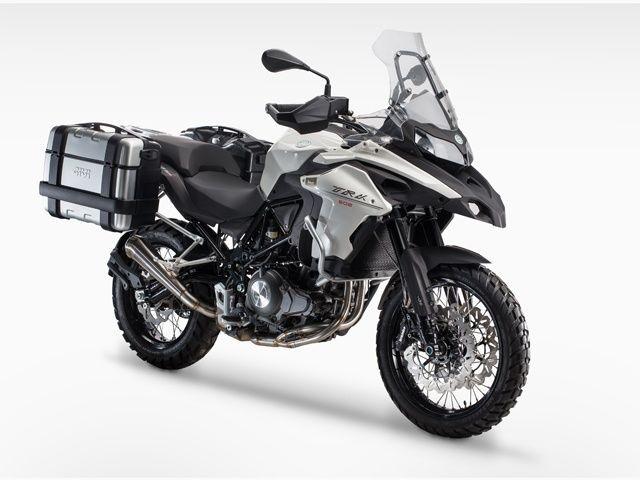Adventure Benelli TRK502X will inherit 800cc engine block from Leoncino 800