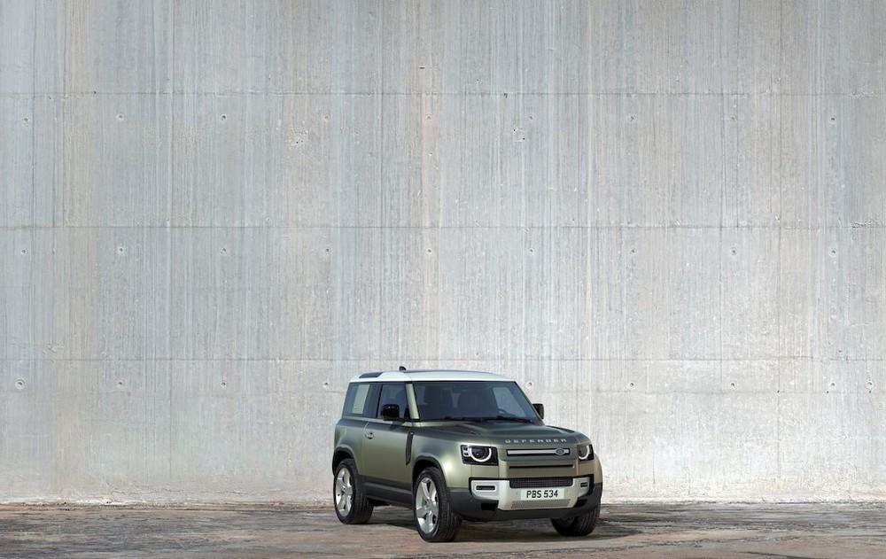 Sau Land Rover Defender 110 2020, Jaguar Land Rover Việt Nam cũng có kế hoạch đưa Defender 90 về