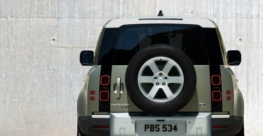 Vóc dáng truyền thống phối hợp với phong cách thiết kế hiện đại của Land Rover
