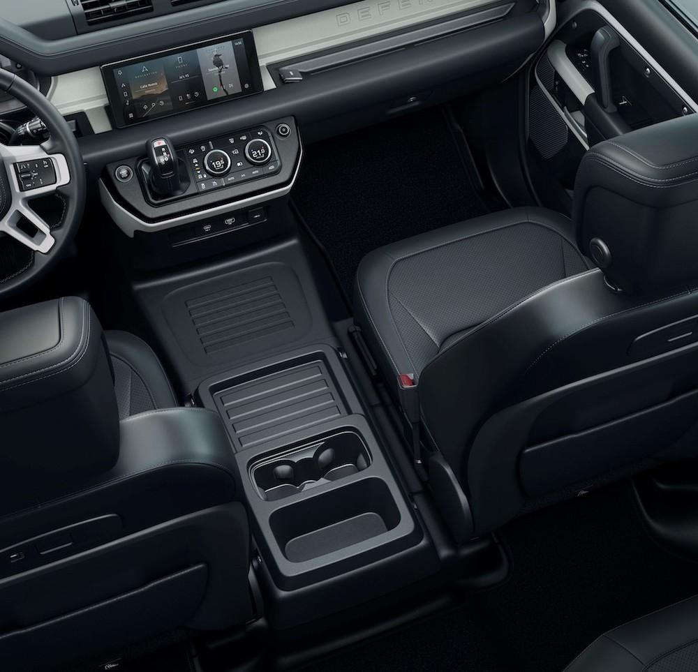 Xe sở hữu tới 2 mô-đem LTE cùng màn hình giải trí dạng cảm ứng Pivi Pro mới nhất của Jaguar Land Rover