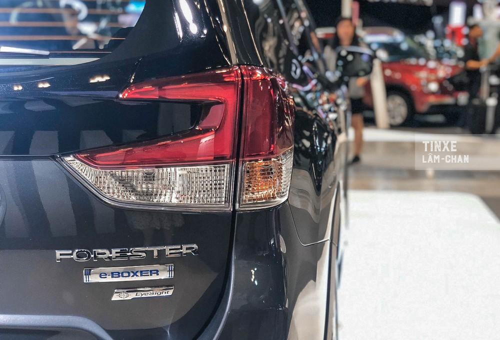 Xe có 3 chế độ lái trong đó chế độ EV sẽ hữu dụng trong đô thị, giúp người lái tiết kiệm nhiên liệu