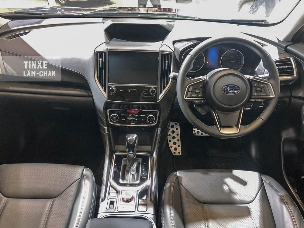 Tổng thể thiết kế nội thất của Subaru Forester e-Boxer cũng tương tự như những phiên bản khác đang bán ra tại Việt Nam