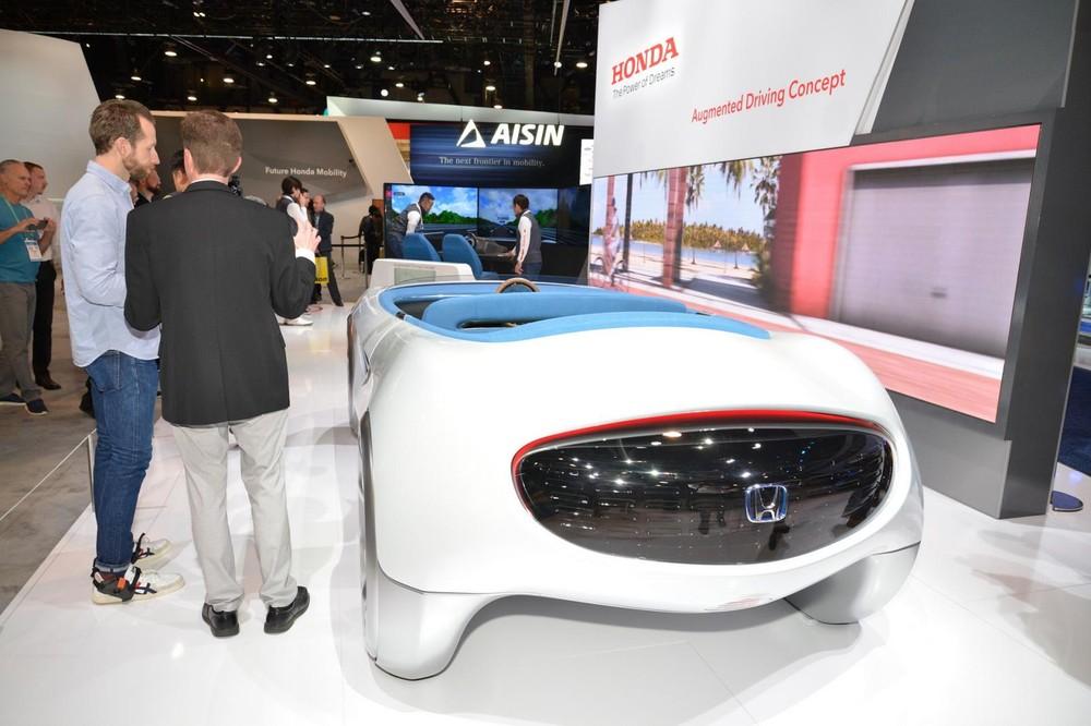 Nó có khả năng tự lái hoàn toàn và trang bị nhiều công nghệ tiên tiến
