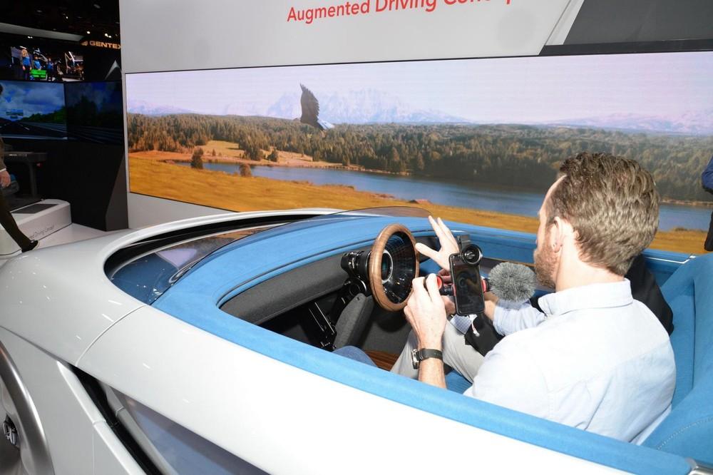 HondaAugmented Driving Concept hướng tới một tương lai của những chiếc xe tự hành