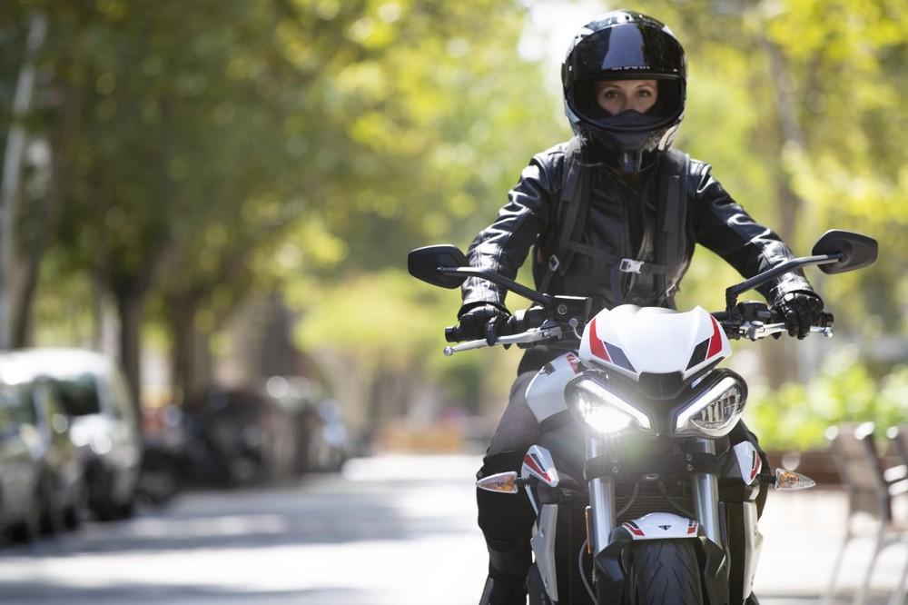 Triumph giới thiệu phiên bản châu Âu dành cho mẫu naked bike Street Triple