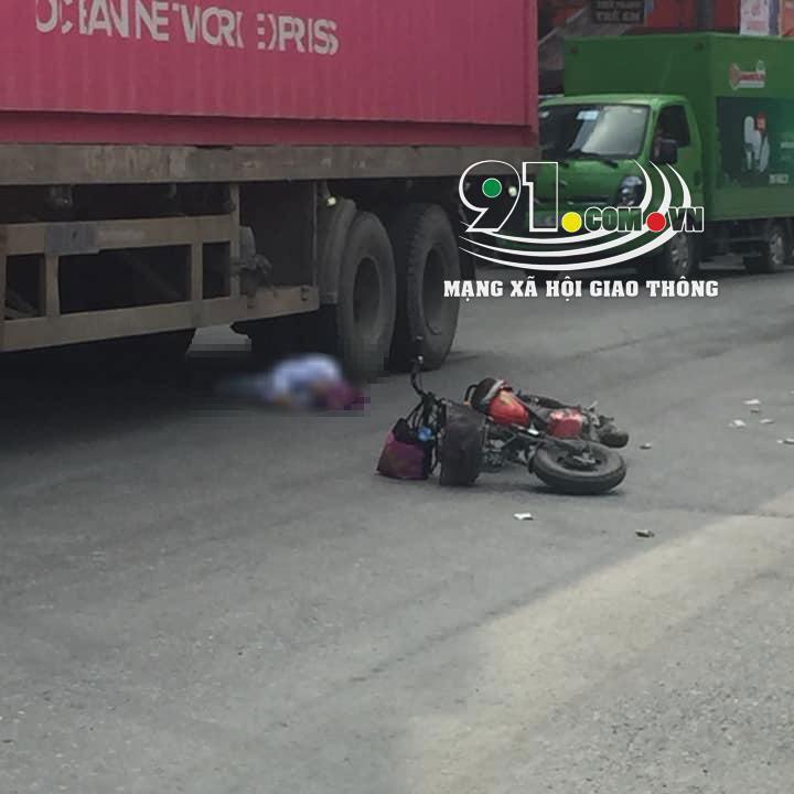 Người phụ nữ đi xe đạp điện tử vong tại chỗ sau vụ tai nạn