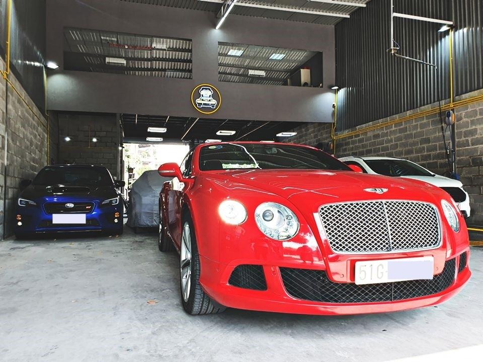 Nhờ đó, mẫu xe siêu sang mui trần Bentley Continental GTC đời 2013 tăng tốc từ vị trí xuất phát lên 100 km/h chỉ trong thời gian 4,7 giây trước khi đạt tốc độ tối đa 314 km/h.