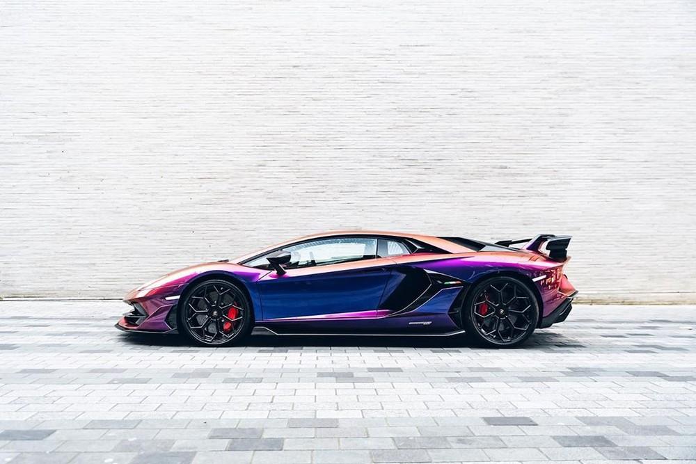 Ý tưởng tạo ra một chiếc siêu xe Lamborghini Aventador SVJ đặc biệt này của chủ xe đến từ việc anh muốn tri ân người bạn đã khuất của mình là Ryan O'Carroll