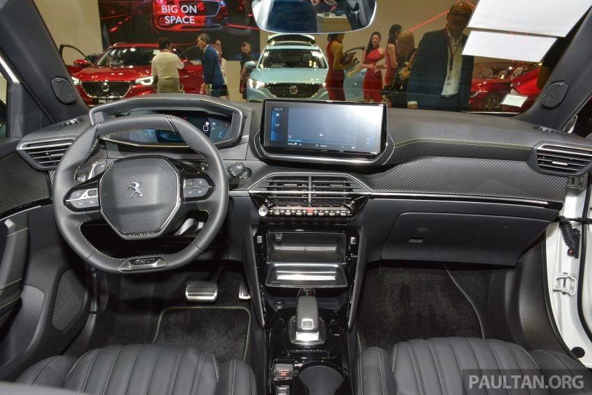 Nội thất bên trong Peugeot 2008 2020