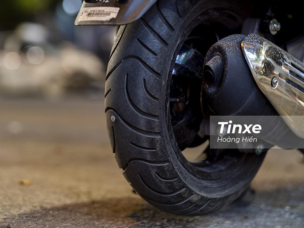 Lốp ăn đinh vẫn là yếu tố bất ngờ của việc xịt lốp xe.