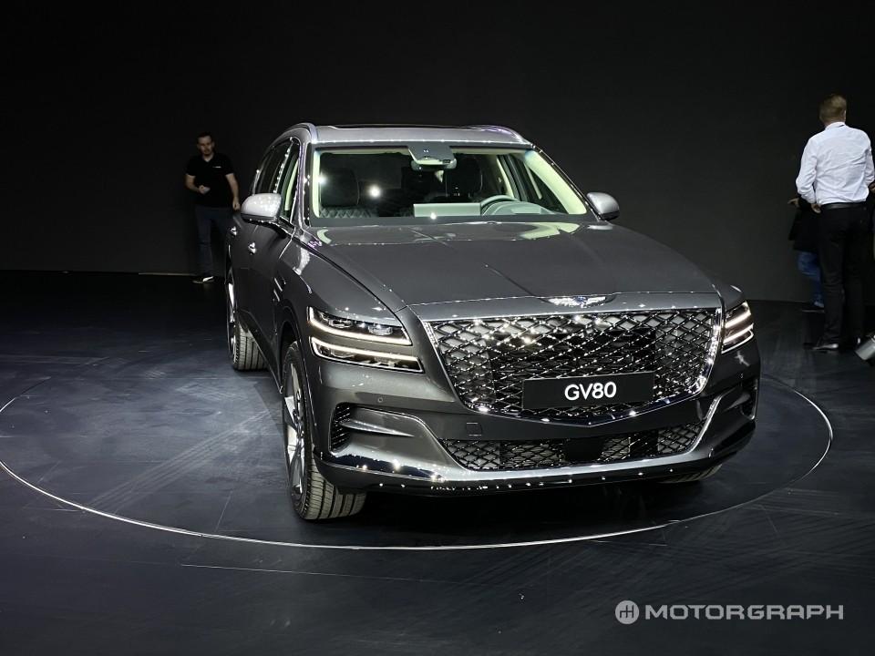 Thiết kế đầu xe khá ấn tượng của Genesis GV80 2020