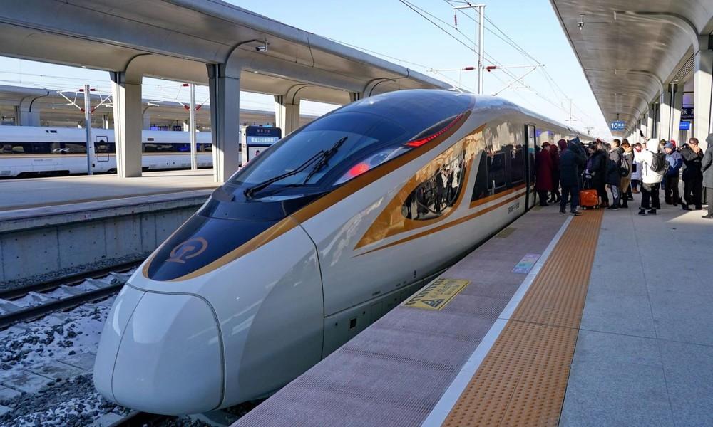 Con tàu mới nối liền Bắc Kinh - Trương Gia Khẩu được giới thiệu là hết sức thông minh kèm khả năng tự hành