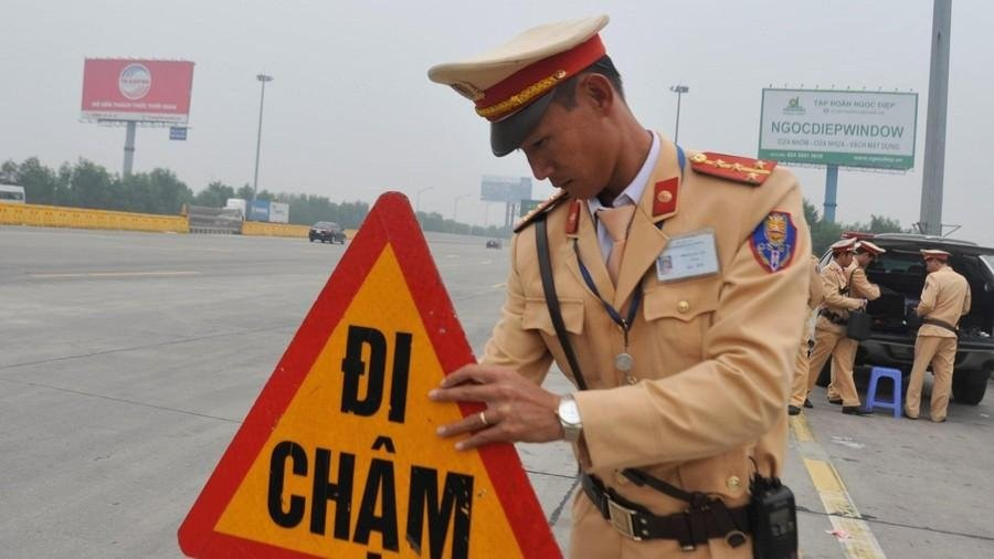 From now on, drivers before going to highways will have to check the alcohol content