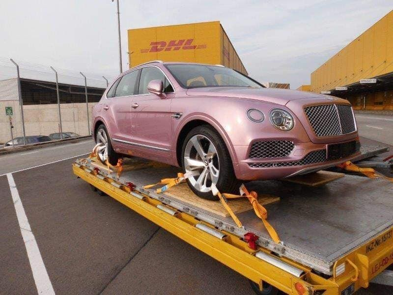 A year ago, the pink Bentley Bentayga was revealed to be available in Vietnam soon