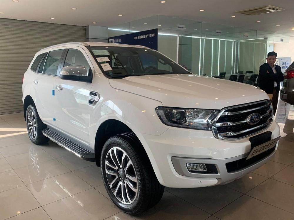 2020 Ford Everest is on dealer