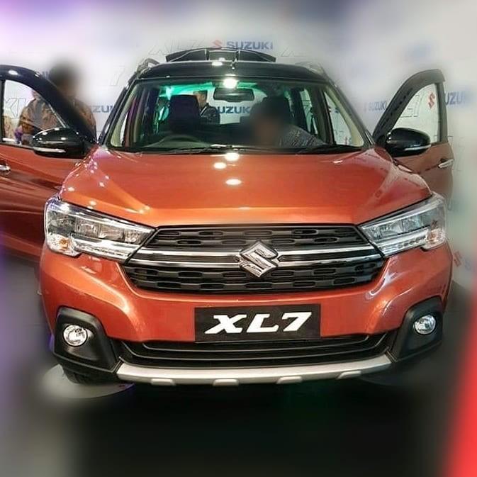 Close-up design of the Suzuki XL7 2020 car