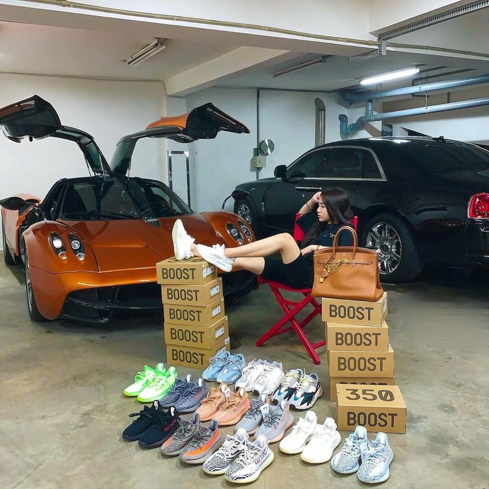 Con gái Minh Nhựa bên kho giầy Adidas Yeezy Boost 350 V2 và chiếc siêu xe triệu đô Pagani Huayra.