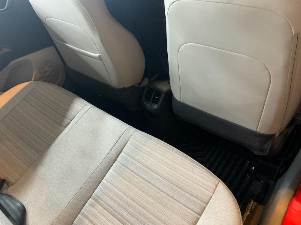 Hàng ghế sau với cửa gió điều hòa của Hyundai Aura 2020