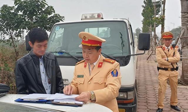 Tài xế Lê Thành Tuấn (49 tuổi) đã bị công an Hà Nội lập biên bản xử lý vi phạm nồng độ cồn vào sáng ngày 21/1/2020