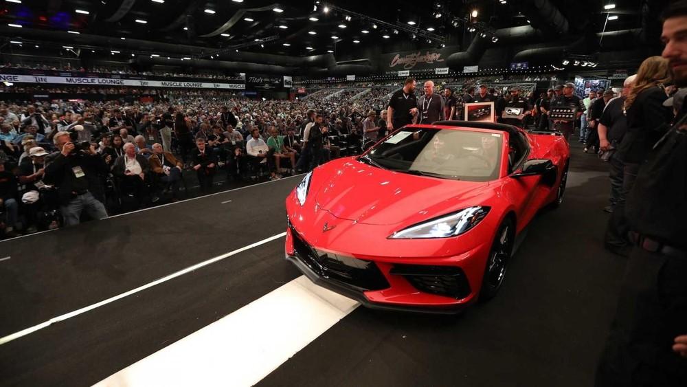 Dung nhan của chiếc Chevrolet Corvette C8 đầu tiên xuất xưởng có giá đắt hơn cả Ferrari LaFerrari hay Bugatti Chiron