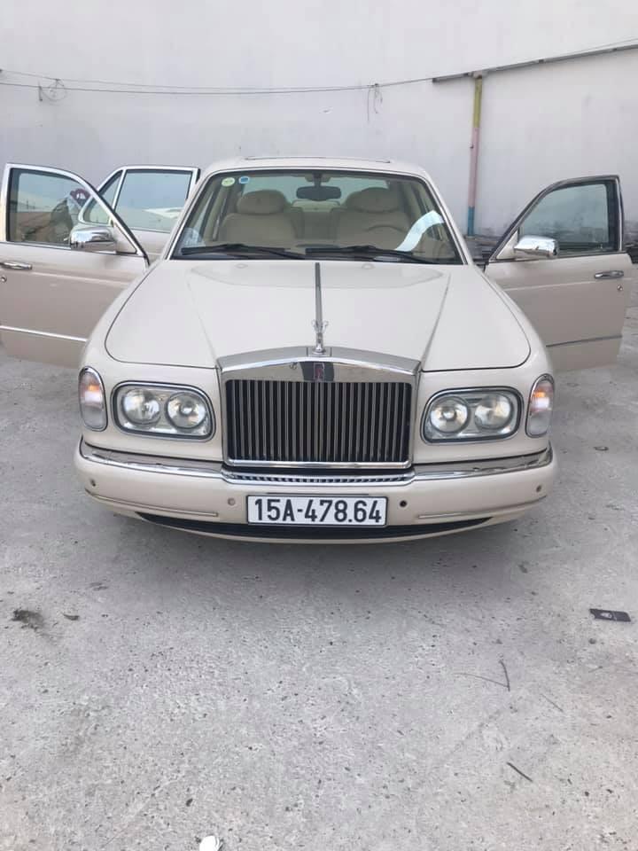 Một chiếc Rolls-Royce đời cổ đeo biển số của Hải Phòng