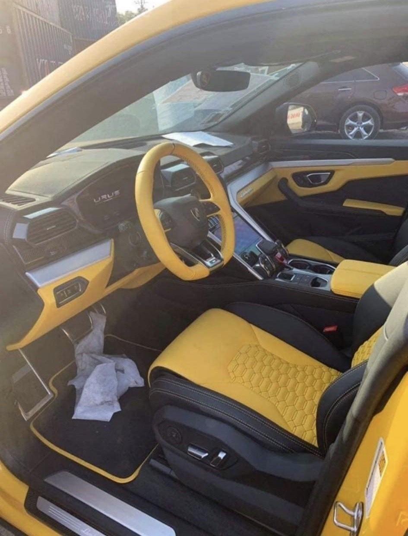 Nội thất chiếc Lamborghini Urus thứ 7 về Việt Nam