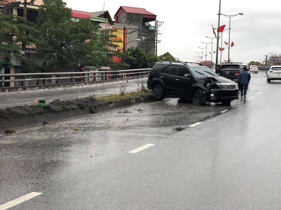Chiếc Toyota Fortuner tại hiện trường vụ tai nạn