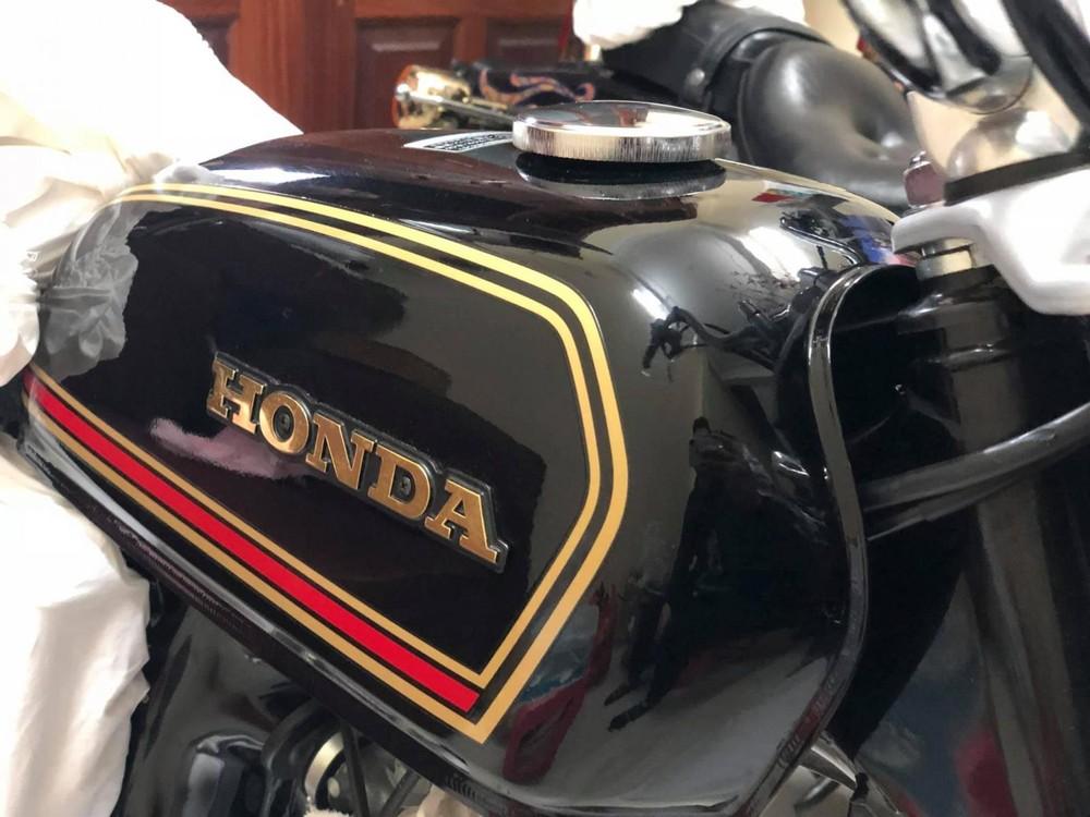 Bình xăng rất đặc trưng của Honda/