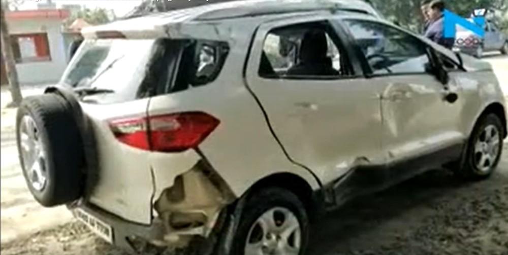 Chiếc Ford EcoSport bị hư hỏng nặng sau vụ tai nạn