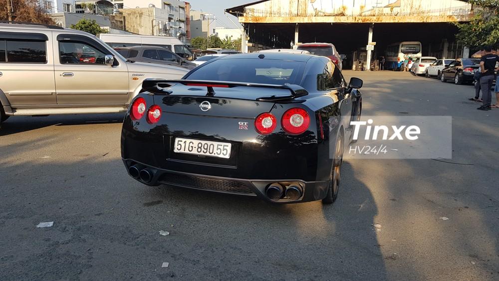 Ra mắt vào năm 2007 tại triển lãm Tokyo nhưng phải đến năm 2009, những chiếc Nissan GT-R đầu tiên mới được sản xuất.