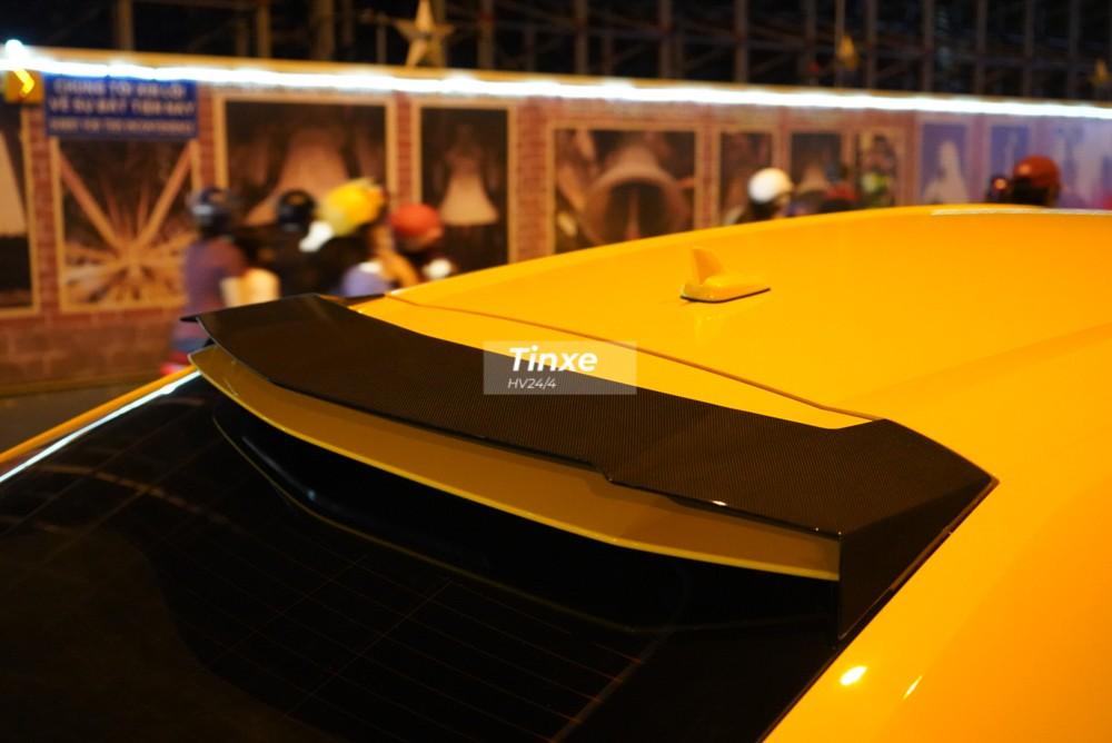 Chưa hết, Lamborghini Urus Venatus còn xuất hiện một cánh gió ở tầng trên cùng