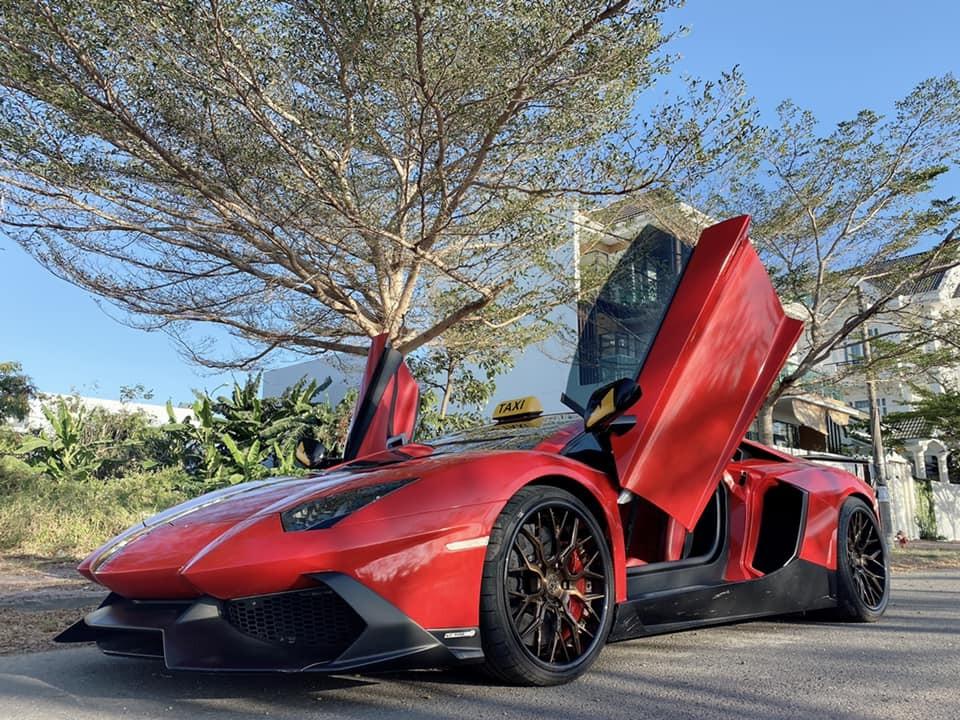 Lamborghini Aventador LP700-4 độ body kit LP720-4 50º Anniversario độc nhất Việt Nam