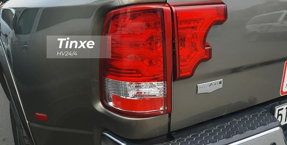 Còn đây là đèn hậu của mẫu xe bán tải hạng nặng Dodge Ram 3500 Heavy Duty độc nhất Việt Nam