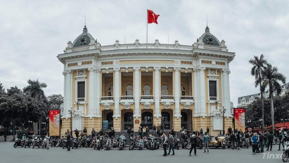 Vẫn như mọi năm, địa điểm tập trung của các Biker Hà Nội sẽ ở quanh khu vực hồ Hoàn Kiếm