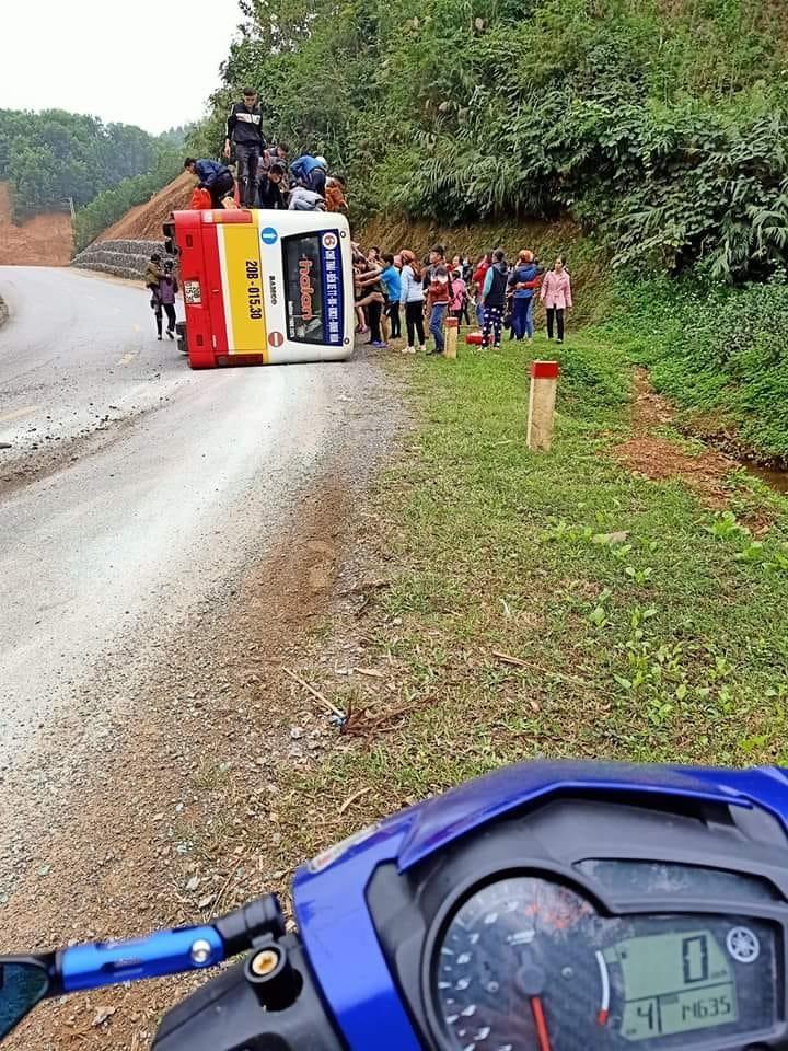 Hiện trường vụ tai nạn xe buýt tại Thái Nguyên