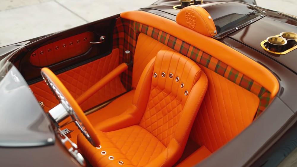 Vị trí một ghế ngồi trung tâm là điểm đặc trưng của xe