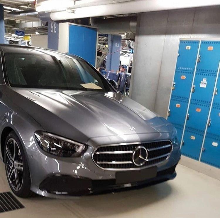 Mercedes-Benz E-Class 2021 còn có cả đèn pha mới