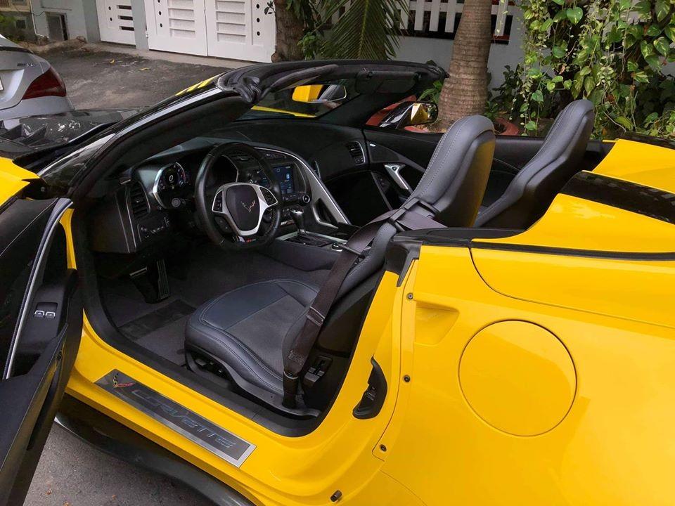 Nội thất xe Chevrolet Corvette C7 Z06 Convertible đang được chủ nhân chào bán với mức giá 4,59 tỷ đồng