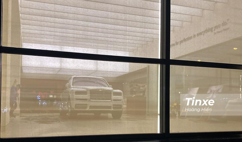 Rolls-Royce Cullinan - chiếc SUV siêu sang khiến nhiều người phải mê mẩn khi bắt gặp.
