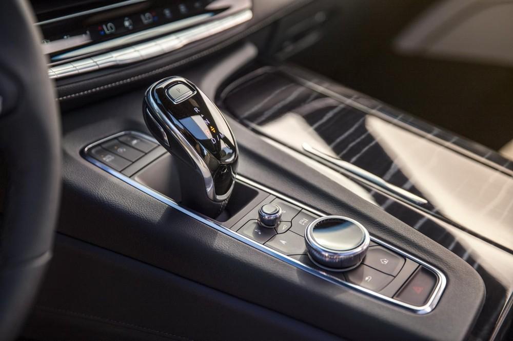 Cadillac Escalade 2021 có cả động cơ diesel mới