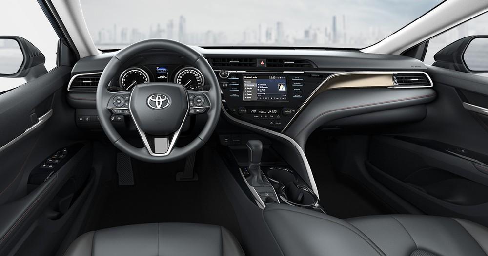 Nội thất bên trong Toyota Camry S-Edition 2020