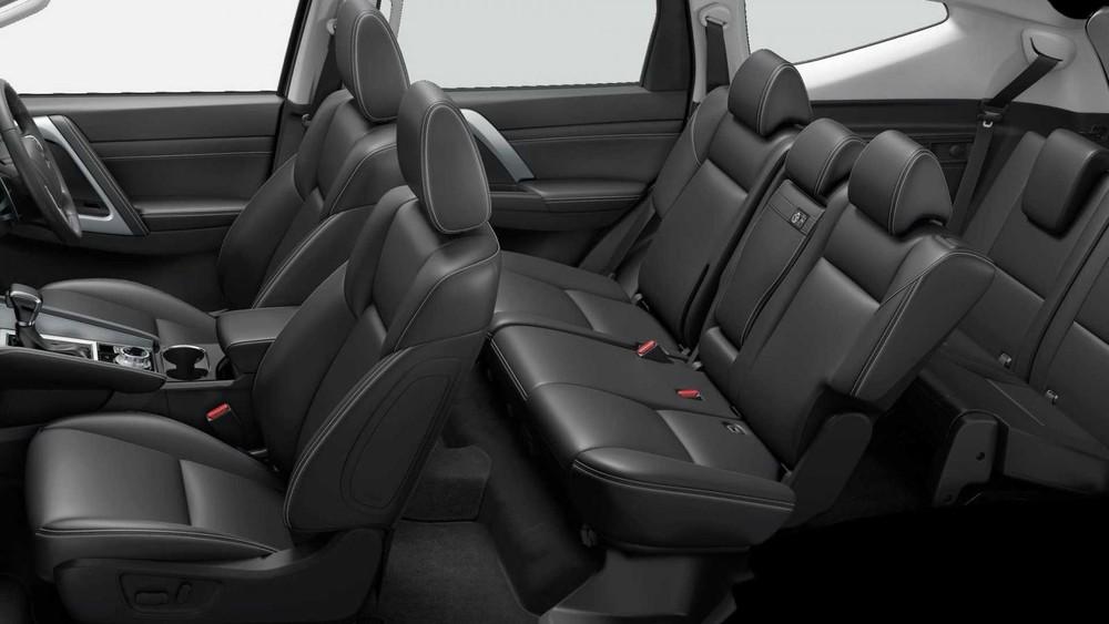 Nội thất của Mitsubishi Pajero Sport 2020 gần như không thay đổi so với trước