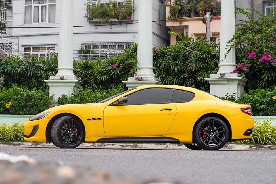 Đơn vị rao bán cho biết mức giá này rẻ hơn 5 tỷ đồng so với mua xe mới chính hãng