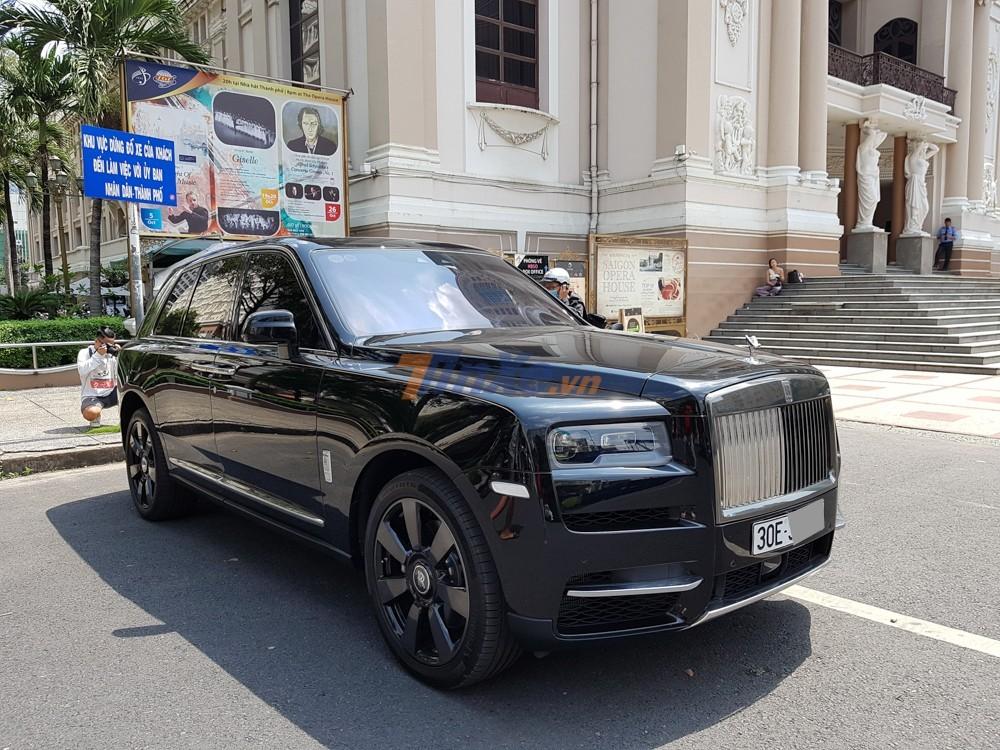 Phần lớn Rolls-Royce Cullinan về Việt Nam được nhập khẩu không chính hãng, hiện chỉ có duy nhất một chiếc Rolls-Royce Cullinan nhập về nước theo diện chính hãng